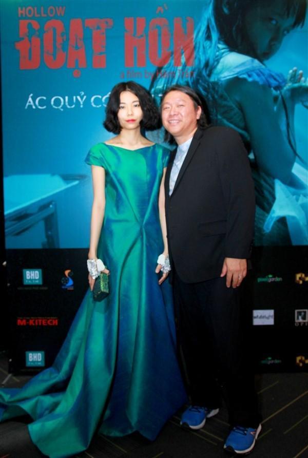 Đạo diễn Hàm Trần và vợ.