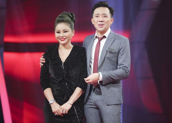 Nữ diễn viên hài tiết lộ dù cũng bị ảnh hưởng ít nhiều trong ồn ào lần này nhưng MC Trấn Thành luôn bên cạnh, động viên cô.