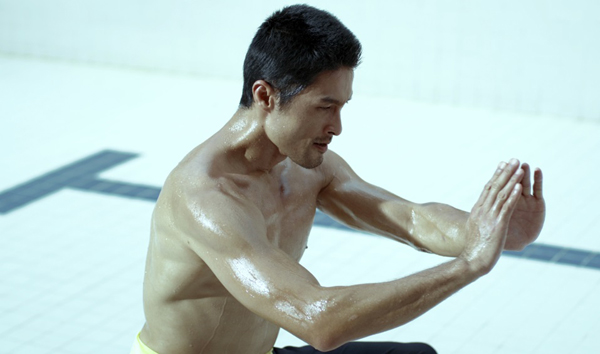 Johnny Trí Nguyễn không có kinh nghiệm thực chiến bằng Flores.