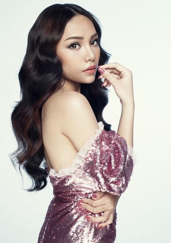 Vũ Thảo My của hiện tại là cô gái 20 tuổi quyến rũ và trưởng thành.