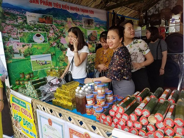 Đặc sản thịt chua Thanh Sơn là một sản phẩm không thể thiếu được trong không gian văn hóa của huyện Thanh Sơn và cả tỉnh Phú Thọ.