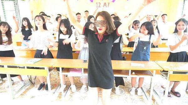 Cô gái bị cho là giáo viên đang phải hứng đủ 'gạch đá' từ dư luận