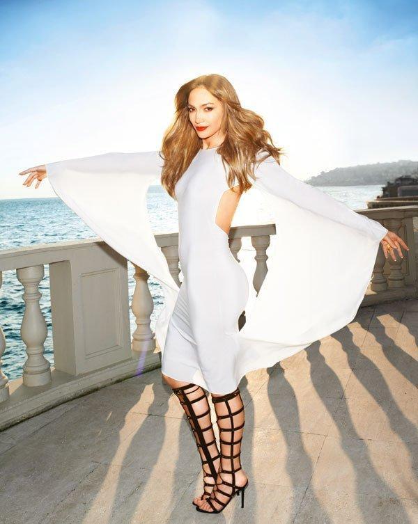 Jennifer Lopez sẽ biểu diễn tổng hợp các bản hit trong đêm trao giải 20/8.