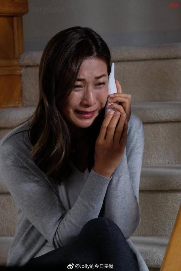 """Những hình ảnh của Chung Gia Hân được tiết lộ, khiến cho khán giả lo lắng về kết thúc của cặp đôi liệu sẽ giống như """"Bằng chứng thép 2""""?"""