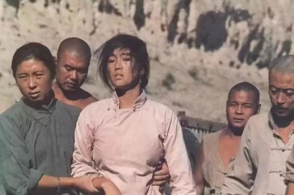 Phim kinh điển Cao lương đỏ của Trương Nghệ Mưu tái chiếu sau 30 năm ảnh 3