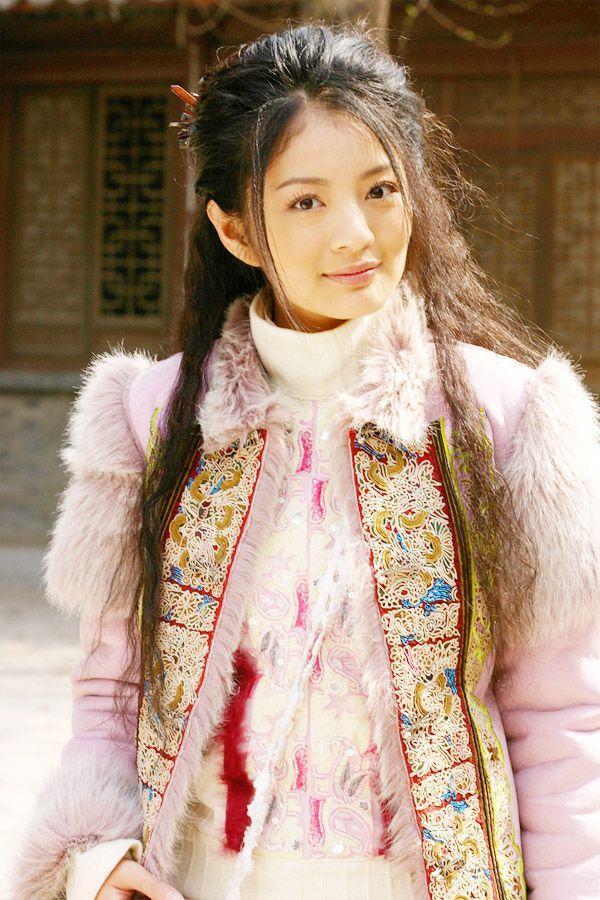 13 bông hồng tuyệt sắc giai nhân trong loạt phim võ thuật của Kim Dung (P.1) ảnh 5