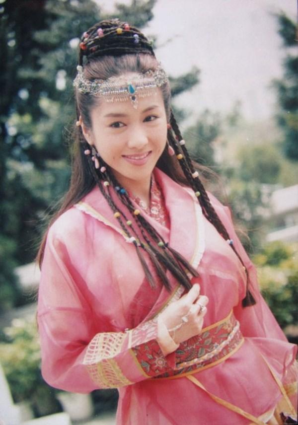 13 bông hồng tuyệt sắc giai nhân trong loạt phim võ thuật của Kim Dung (P.1) ảnh 1