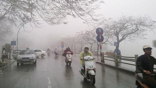 Hà Nội chìm trong mưa lạnh