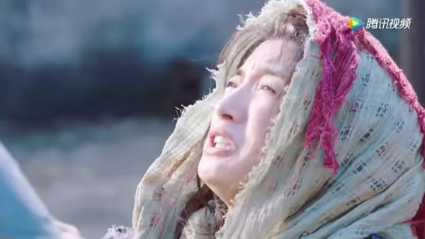 Trước Tiểu nữ Hoa Bất Khí, Lâm Y Thần đã thành công với những tạo hình cổ trang xinh đẹp nào? ảnh 23