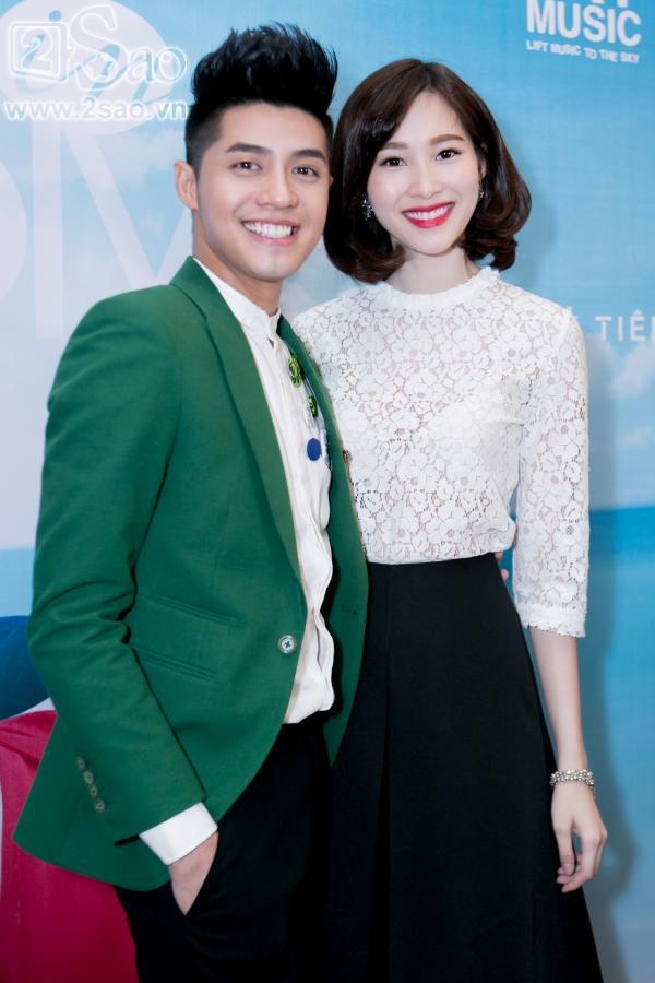 Ngoài ra, Noo Phước Thịnh từng sánh vai với nhiều Hoa hậu, Á hậu khác và được những người đẹp yêu mến.