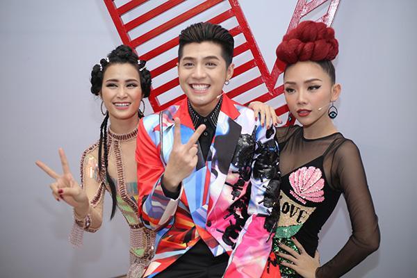 Những gương mặt trẻ 'dậy sóng' tranh cãi khi ngồi ghế nóng Giọng hát Việt các mùa!