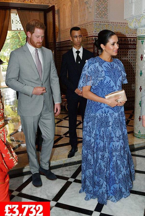 Meghan Markle khiến dân tình choáng khi chi gần 3,5 tỷ đồng tiền váy áo chỉ trong 3 ngày ảnh 9