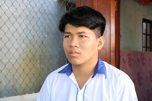Nam sinh Trần Công Mẫn bị oan và hoàn toàn không liên quan đến vụ việc cô giáo bị chồng tố vào khách sạn với nam sinh lớp 10. Ảnh: báo Người đưa tin.
