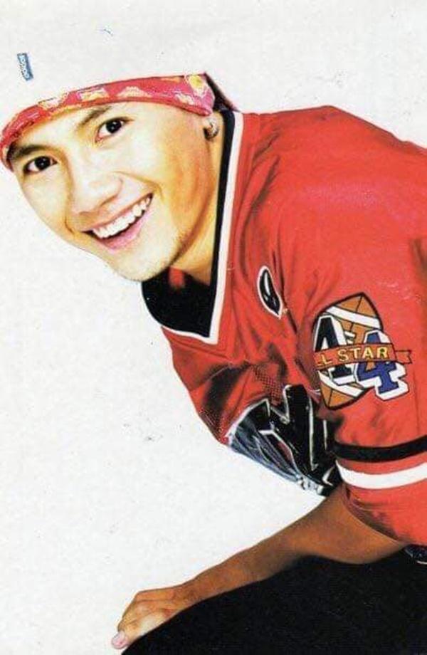 Khoe ảnh ông xã 'hồi còn đẹp trai', vợ Tiến Đạt khiến nhiều người phải phì cười ảnh 0