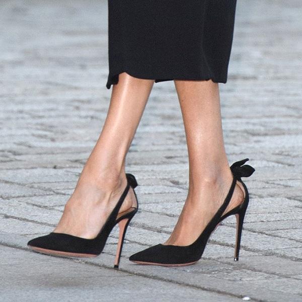 Cận cảnh đôi giày yêu thích của Meghan Markle