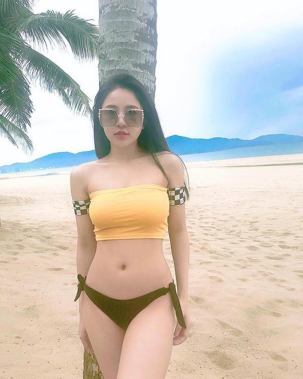 Nhan sắc cực nóng bỏng của Trâm Anh  nàng hotgirl đình đám Hà Nội với 200.000 follow ảnh 4