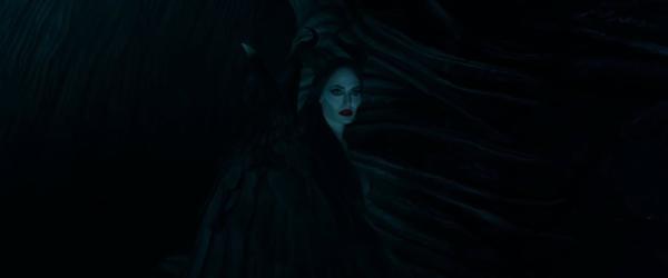 Maleficent: Mistress of Evil của Angelina Jolie tung trailer: Quéo queo quèo Chào mừng chị Mã Lệ Phi Xuân tái xuất giang hồ ảnh 13
