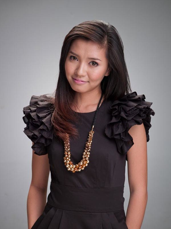 Bích Phương đúng chất một cô gái vùng biển với làn da rám nắng, khỏe khoắn thuở mới gia nhâp showbiz Việt.
