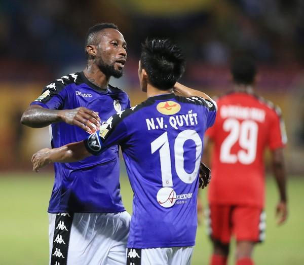Phong cách chơi bóng không đẹp của Samson chính là phần lớn nguyên nhân khiến anh không được lên tuyển Việt Nam.