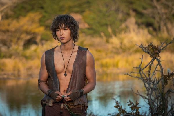 Kim Ji Won tiết lộ lý do chọn đóng phim Arthdal Chronicles của Song Joong Ki  Jang Dong Gun ảnh 3
