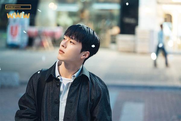 WWW: Jang Ki Yong yêu say đắm noona Im Soo Jung bất chấp tuổi tác, chuyện tình ngọt ngào rung động trái tim ảnh 3
