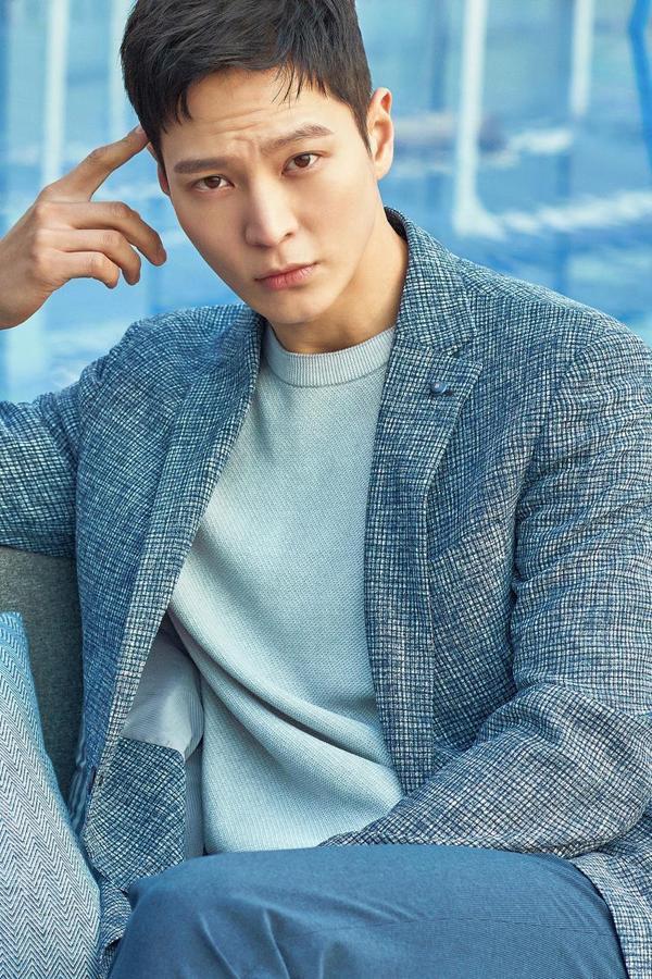 Joo Won xem xét quay lại màn ảnh nhỏ trong phim của đạo diễn Cô gái nhìn thấy mùi hương ảnh 0