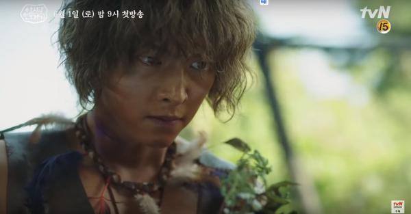 Teaser Arthdal Chronicles:Song Joong Ki cưỡi ngựa chiến đấu, Kim Ji Won khóc lóc thảm thiết, bị kéo lê trên đường ảnh 5