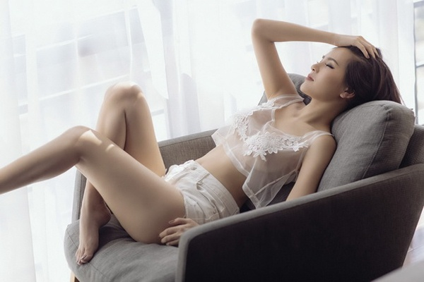 Vẻ đẹp của Phi Huyền Trang từng đứng trên nhiều tên tuổi lớn của khu vực và được bầu chọn là cô gái sở hữu vẻ đẹp nhất nhì châu Á.
