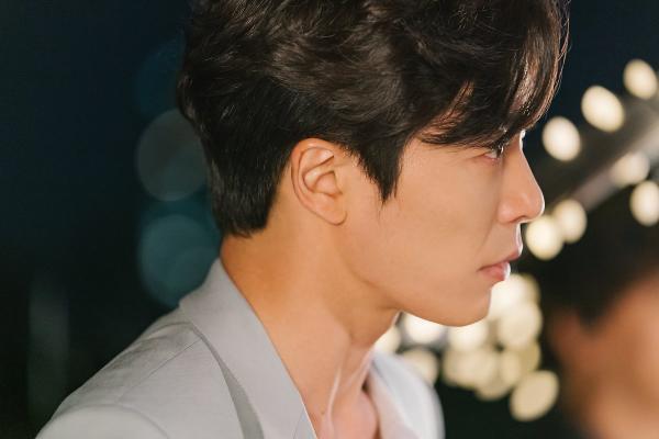 Nhan sắc gây nghiện của sát nhân Kim Jae Wook trong Bí mật nàng fangirl ảnh 14