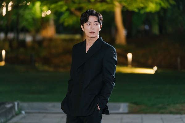 Nhan sắc gây nghiện của sát nhân Kim Jae Wook trong Bí mật nàng fangirl ảnh 1