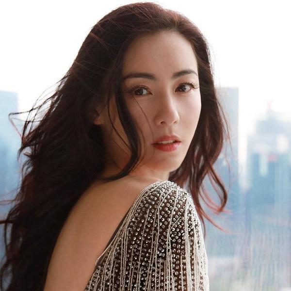 Nhìn Trương Bá Chi mới hiểu thế nào là đẹp thanh khiết, trong sáng dù cô đã qua 3 lần sanh nở, trông cô vẫn trẻ mãi không già theo năm tháng