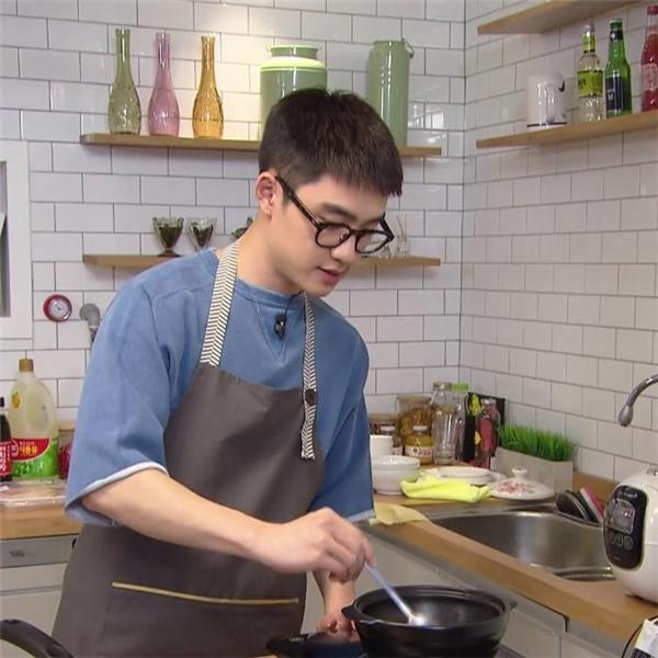 D.O (EXO) muốn trở thành đầu bếp chuyên nghiệp, là tấm gương mà Lee Yoojin (Produce X 101) noi theo ảnh 2
