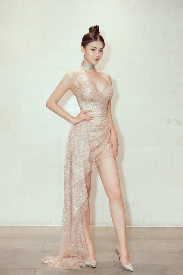 Gục ngã vì nhan sắc cực phẩm của Phương Khánh trong chiếc đầm mỏng tang như sương, ảnh 0