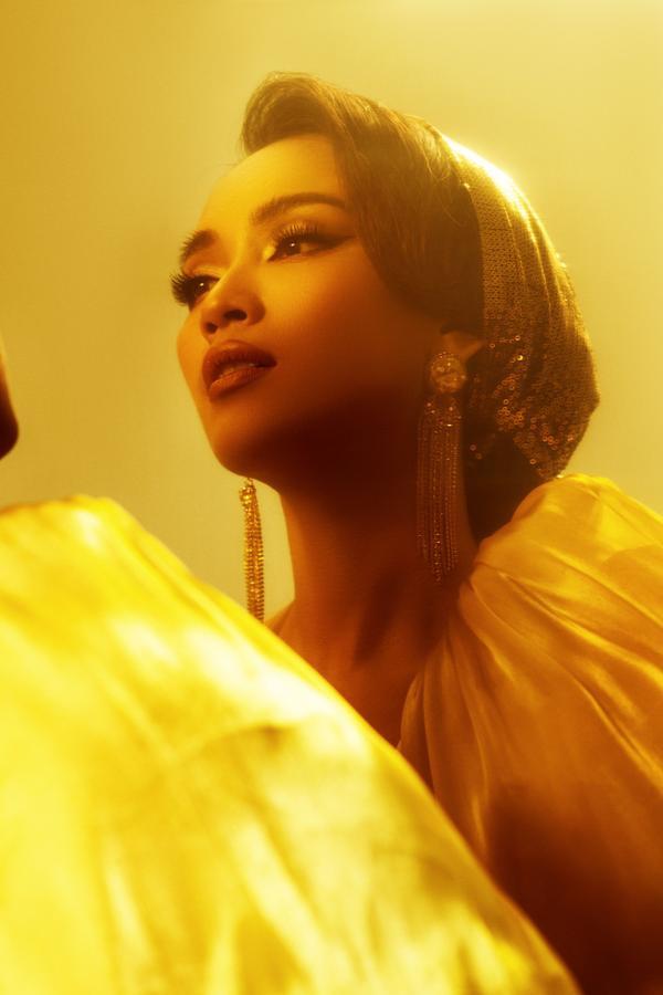 Ái Phương đẹp không kém cạnh công chúa Jasmine Naomi Scott của Aladdin, thử thách hát A Whole New World ảnh 3