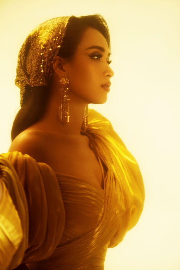 Ái Phương đẹp không kém cạnh công chúa Jasmine Naomi Scott của Aladdin, thử thách hát A Whole New World ảnh 5