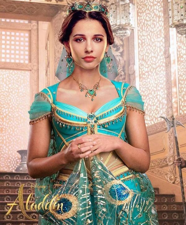 Ái Phương đẹp không kém cạnh công chúa Jasmine Naomi Scott của Aladdin, thử thách hát A Whole New World ảnh 2