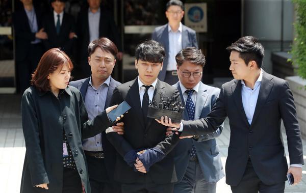 Seungri  Yoo In Suk tiếp tục bị cáo buộc trong nhiều trường hợp môi giới mại dâm ảnh 0