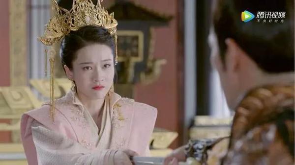Douban Bạch Phát: La Vân Hi được khen ngợi cả về ngoại hình, diễn xuất lẫn vai diễn ảnh 1
