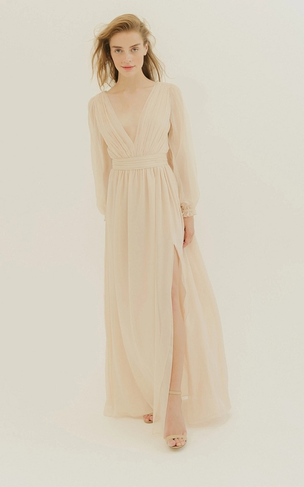 Chiếc váy có thiết kế đơn giản nhưng vô cùng tinh tế, thanh lịch này thuộc bộ sưu tập Xuân Hè 2019 của thương hiệu L. Wells Bridal