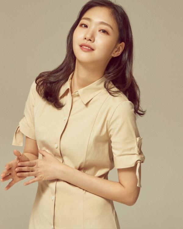 Xác nhận bén duyên cùng Lee Min Ho, Kim Go Eun bị K-net chê bai: Thất bại, tôi bỏ xem Goblin vì cô ấy ảnh 5