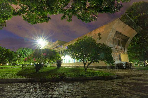 Khu giảng đường G3 về đêm trông lung linh, huyền bí thế này đây.