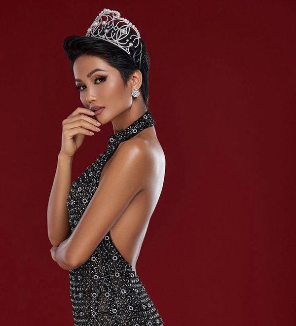 HHen Niê xứng danh là nữ hoàng tóc ngắncủa showbiz Việt, cứ tóc ngắn là auto đẹp ảnh 5