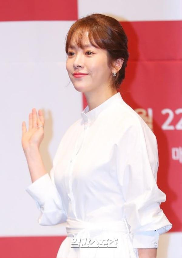 Spring Night: Han Ji Min trả lời câu hỏi so sánh với Son Ye Jin trong Chị đẹp, K-net phản ứng ra sao? ảnh 3