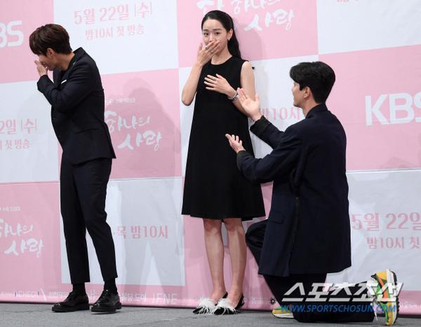 Họp báo Dan Only Love: Shin Hye Sun thùy mị bên L (Infinite) và tài tử Lee Dong Gun ảnh 17