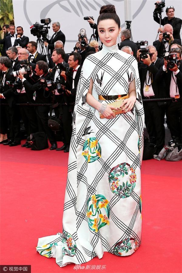 Trương Thị May, Phạm Băng Băng và 'thần thái' khẳng định nữ quyền châu Á trên thảm đỏ Cannes ảnh 6
