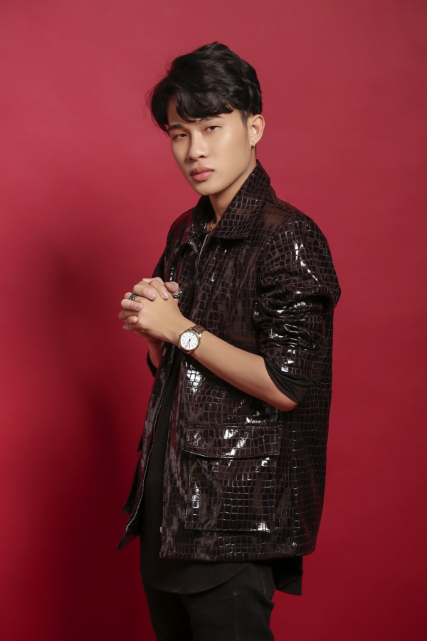 """Chàng Jack """"Hồng nhan"""" - nhân vật thu hút sự quan tâm của giới Underground những ngày gần đây có tên thật là Trịnh Trần Phương Tuấn."""
