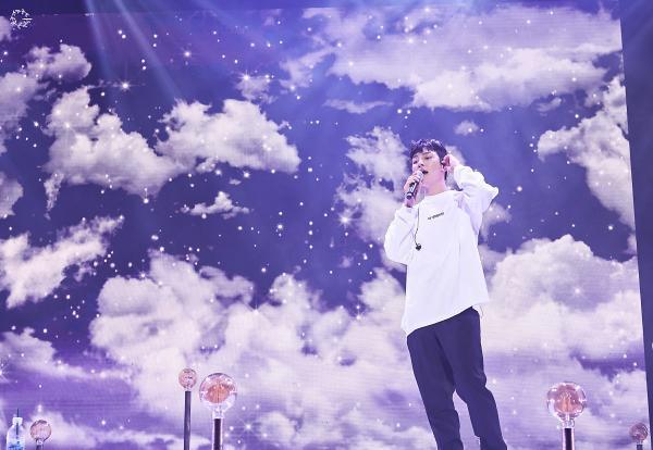 Bộ ảnh trong buổi họp fan của Ji Chang Wook cùng tâm thư: Mùa xuân của anh là các em ảnh 1