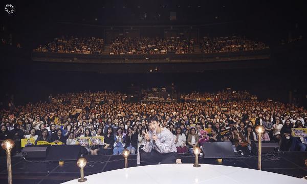 Bộ ảnh trong buổi họp fan của Ji Chang Wook cùng tâm thư: Mùa xuân của anh là các em ảnh 33