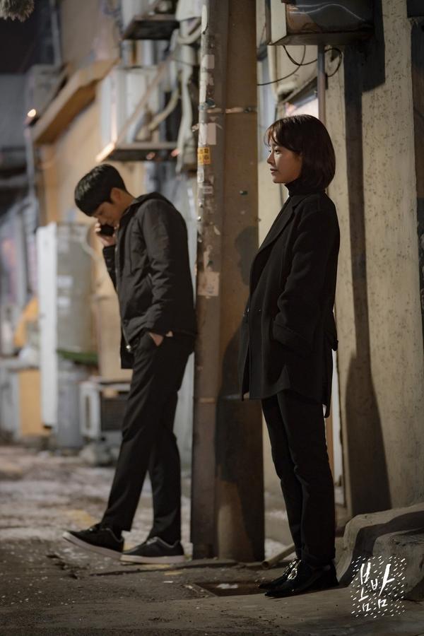 Đêm xuân tập 1-2: Khoảnh khắc đẹp như tranh về mối tình chớm nở của Han Ji Min và Jung Hae In ảnh 23