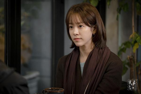 Đêm xuân tập 1-2: Khoảnh khắc đẹp như tranh về mối tình chớm nở của Han Ji Min và Jung Hae In ảnh 25